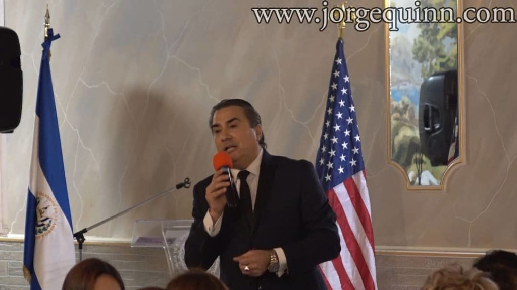 Jorge-Quinn-Event-Singing