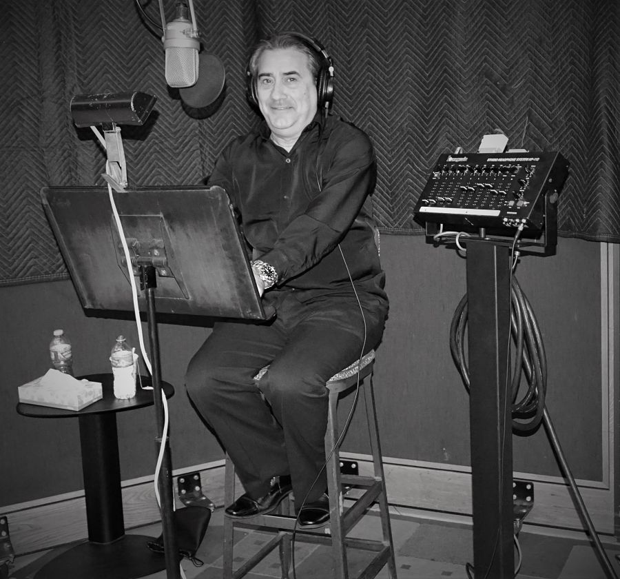 Jorge-Quinn-Recording-at-Capitol-Records