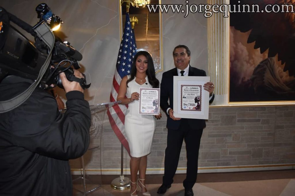 Jorge-Quinn-con-Awards
