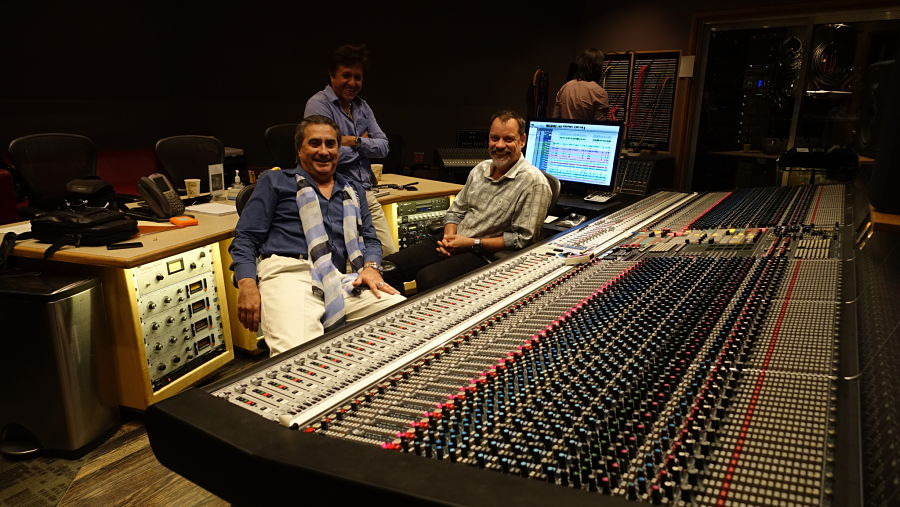 Jorge-Quinn-with-engineers-at-capital-records